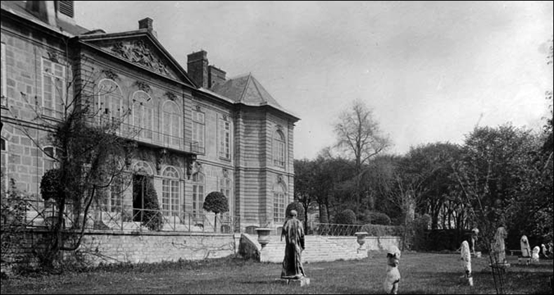 The back facade before the artists' eviction (circa 1910); pic: Charles Berthelomier/Musée Rodin