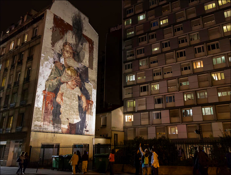 """Baptism, the Three Ages"", Borondo, pic © Mairie de Paris"