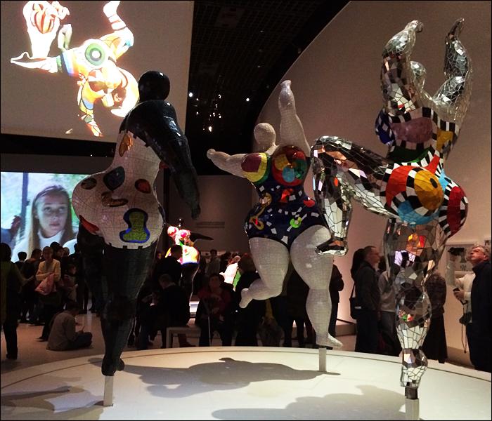Nanas, Niki de Saint Phalle; pic; Cynthia Rose