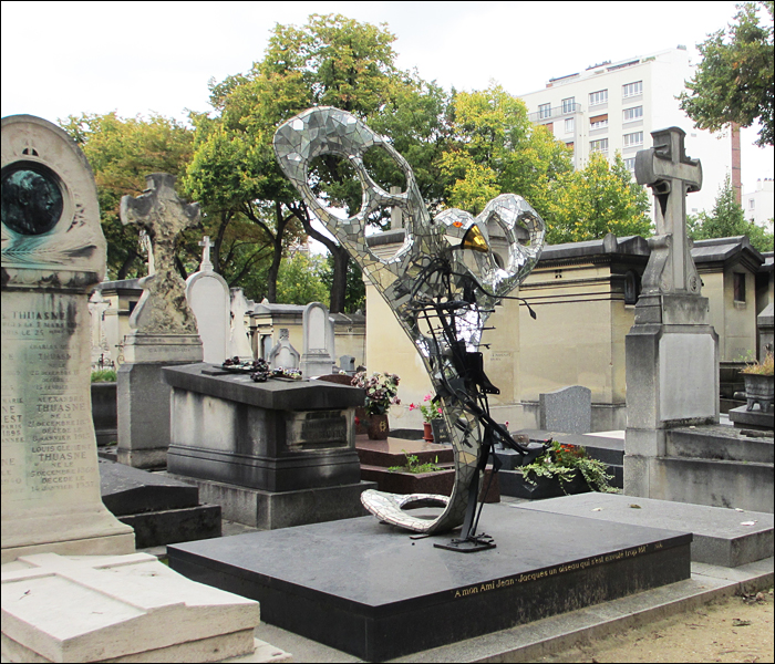 Grave of Jean-Jacques, Niki de Saint Phalle; pic: Steve Sampson