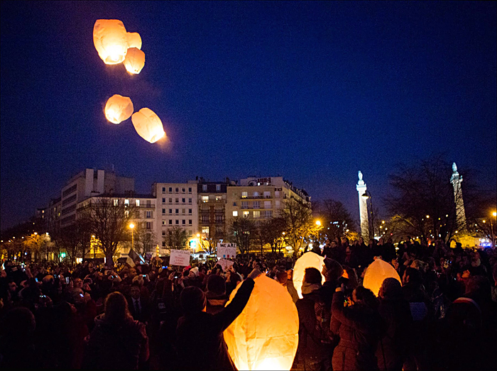 Launching balloons; pic: Jean-Baptiste Gurliat/Mairie de Paris