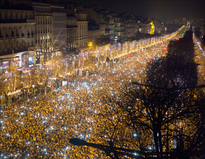 Fetards filled the whole of the Champs; pic: Henri Garat/Mairie de Paris