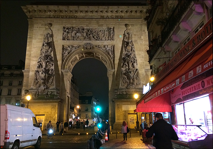 Porte Saint-Denis, January 2015; pic: Steve Sampson