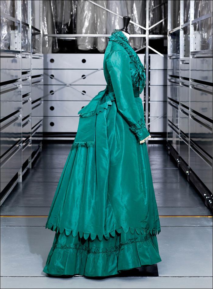 Classic Worth fashion, photographed at Palais Galiera; pic: Palais Galliera
